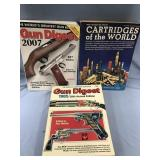 Lot of 3 gun books           (O 16)