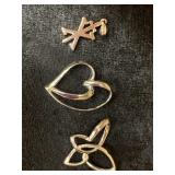 Lot of 3 assorted pendants       (M 91)