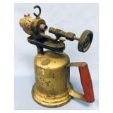 Antique brass kerosene torch               (H 76)