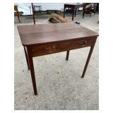 18TH CENTURY WALNUT STRAIGHT LEG 1 DRAWER TABLE