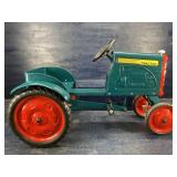 CHILDS PEDAL TRACTOR EXCELLENT CONDITION