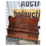 MAHOGANY CHINESE CHIPPENDALE BOGODA TOP BED