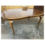 AMERICAN DREW QUEEN ANNE DINING TABLE