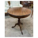 ROUND MAHOGANY CLAW FOOT SIDE TABLE