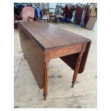 EARLY 19TH CENTURY WALNUT DROP LEAF TABLE