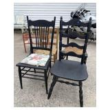 LOT OF 4 CHAIRS