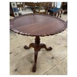 SOLID MAHOGANY LARGE TILT TOP CHIPPENDALE TABLE