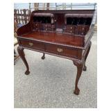 SOLID MAHOGANY CHIPPENDALE LADIES WRITING DESK