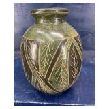 Signed NOROVI POTTERY VASE, 6 tall 4 1/2 wide