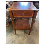 ETHAN ALLEN MAHOGANY 1 DRAWER STAND