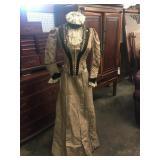 VICTORIAN DRESS WITH DRESS FORM: Victorian dress