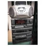 Pioneer compact stereo includes   6 disc