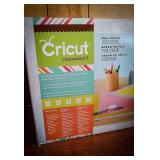 Cricut expression 2 full color touchscreen in