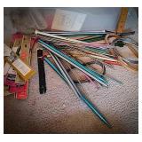 Large quantity of knitting needle sets number 19,