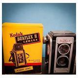 Kodak duaflex II camera with Kodet lens comes