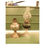 1 GREEN GLAS KAROSENE LAMP, 1 METAL LAMP, NO CHIMN