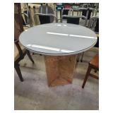 Glasstop round display table