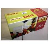 Champion Juicer Model: 2000 (White)