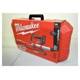 Milwaukee Cordless 2-Speed Grease Gun Kit 2646-22C