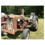 Ford 601 work-master tractor