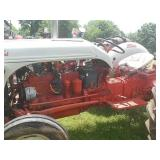 Ford 8N 6 cyl (flat) funk conv pulling tractor