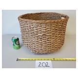 Large Wicker Basket w/Handles (No Shipping)