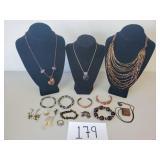 16 Pieces of Fashion Jewelry