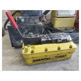 Enerpac Turbo hydraulic pump (porta power)