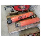 2 Hydraulic Rams (porta power)