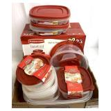 Betty Crocker easy seal/Rubbermaid containers