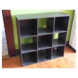 Shelf unit with 9 cubbyholes