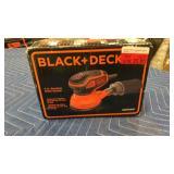"""Black & Decker 5"""" Random Orbital Sander"""