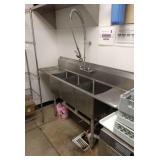 Boos 3-Bay S.S.Sink w/ Dump Levers & Spray Off