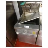 Frymaster 80lb Gas Fryer w/ 2 Baskets & Fryer Well