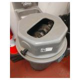 Rubbermaid Brute Trash Container w/ Magnetic