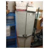 1 Lot Resin Storage Unit & Contents: