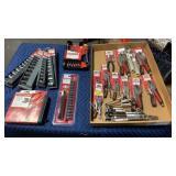 Flat Approx 21 Craftsman Tools & Sets: