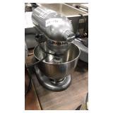 Kitchen Aid Countertop Mixer w/ Whisk