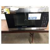 Frigidaire SS Front Countertop Microwave