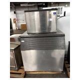 Manitowoc Ice Maker w/ Dump Bin, Model QY0454A