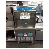 Taylor Twin Head w/ Swirl Soft Serve Machine,