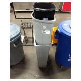 1 Lot 3 Asst Trash Cans: 1 Black, 2 Grey