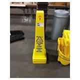 1 Lot 4 Wet Floor Caution Cones