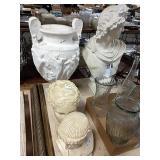 1 Lot 3 Busts & Grecian Urn