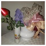 2 decorative Vases