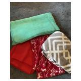 4 Fleece & Fleece Type Blankets