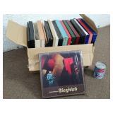 Boite de vinyles 33 tours/LP dont Siegfried
