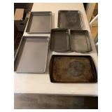 6 baking pans/sheets