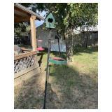 Iron pole birdhouse and feeder