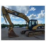 "CAT 320CL EXCAVATOR, C/H/A, QUICK ATTACH BUCKET, 32"" TRACK PADS, SHOWING 10,877 HRS, S/N# CAT0320CHP"